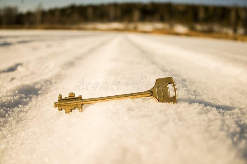 门的贿赂在雪在 免版税库存图片