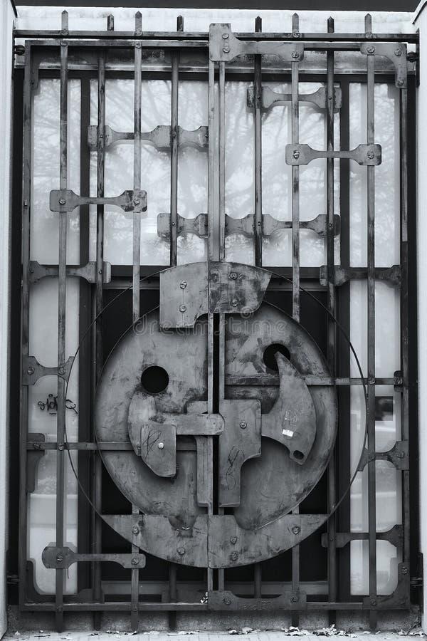 门门铁锁着老 免版税库存图片