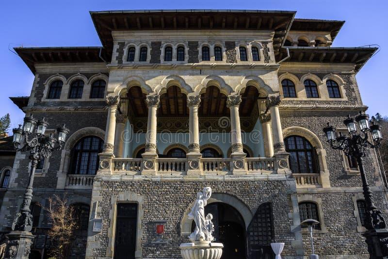 门面关闭Cantacuzino宫殿,布什泰尼,Prahova谷,罗马尼亚 免版税库存照片