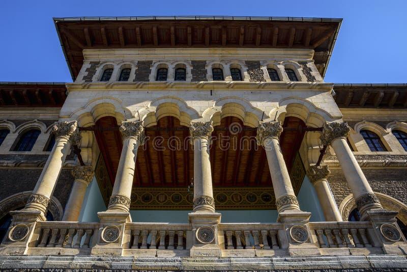 门面关闭Cantacuzino宫殿,布什泰尼,Prahova谷,罗马尼亚 库存照片