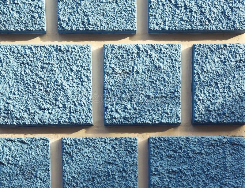 门面的细节与蓝色正方形的 库存图片