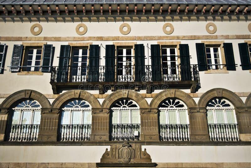 门面零件的皇家大学在Roncevaux村庄 免版税库存照片