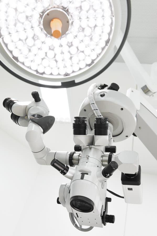 闪亮指示外科的手术室 库存照片