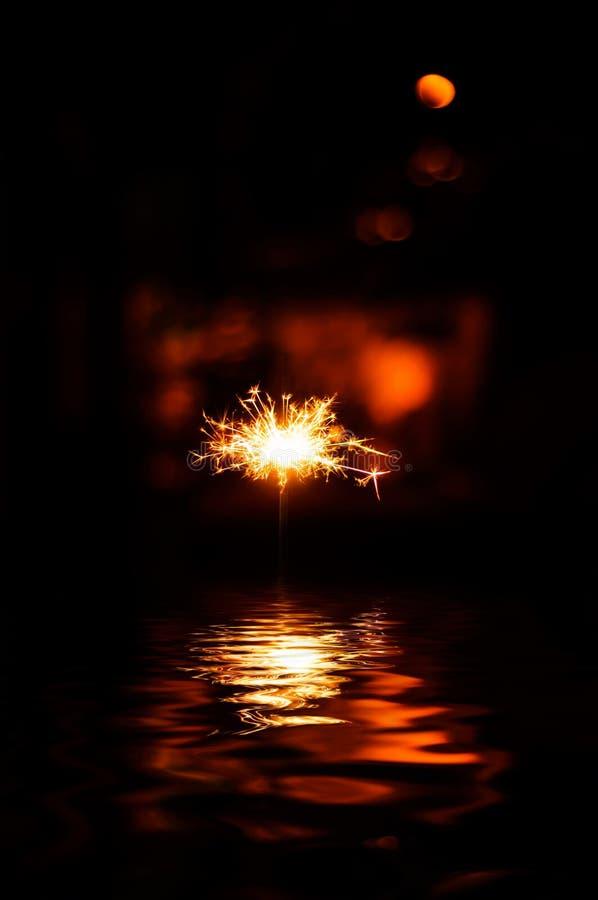 闪烁发光物和爆竹 图库摄影