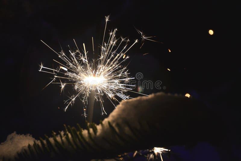 Download 闪烁发光物 库存照片. 图片 包括有 时间, 圣诞节, 空白, 节假日, 的treadled, 前景, 闪烁发光物 - 72354334
