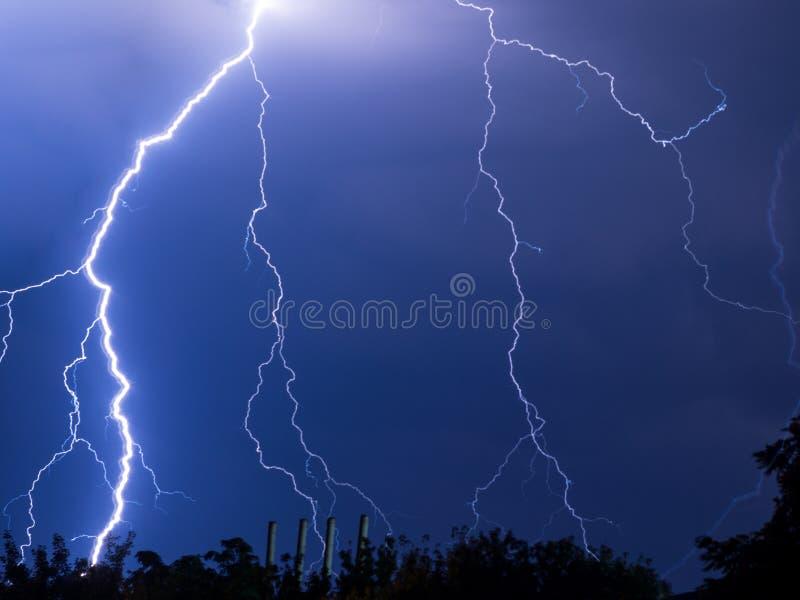 闪电和雷 免版税库存照片