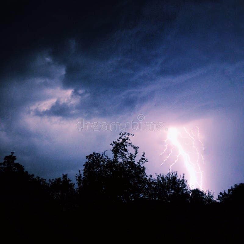 闪电在晚上 免版税图库摄影