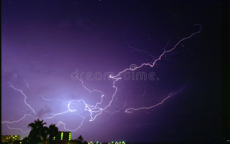 闪电紫色 库存图片