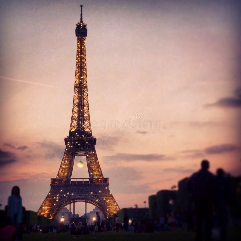 闪耀的艾菲尔铁塔 免版税库存图片