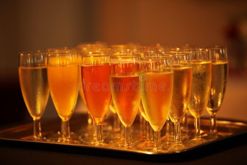 闪耀的香槟长笛  免版税库存照片