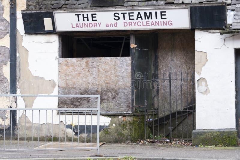 闭合的企业清盘被关闭的门没有金钱遗弃大厦 免版税图库摄影