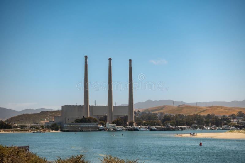 闭合的气体能源厂在莫罗贝加利福尼亚 库存图片