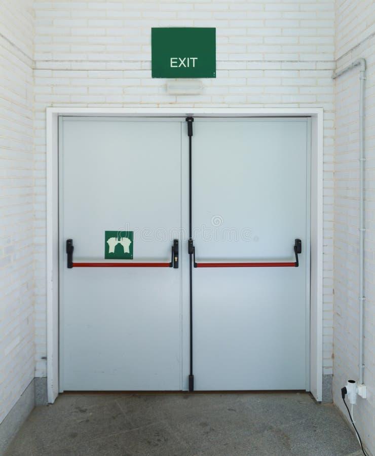 闭合的紧急出口 免版税库存照片