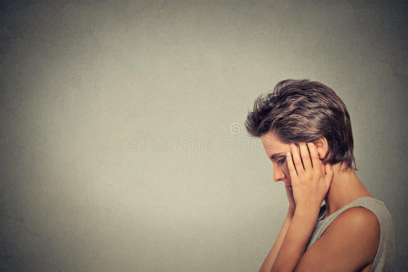 问题 哀伤的妇女 免版税库存图片