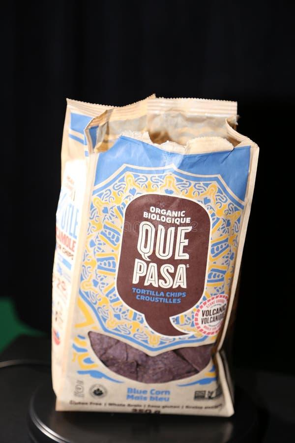 阙帕沙食物有机蓝色玉米粉薄烙饼芯片 库存图片