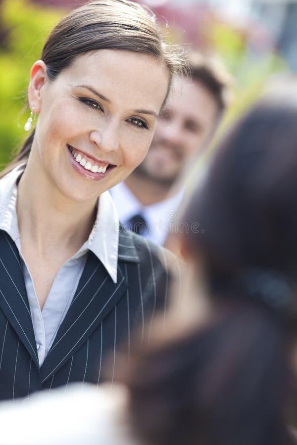 队的女商人或女实业家同事 免版税图库摄影