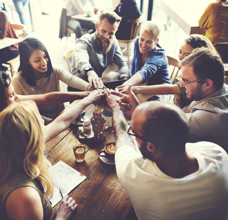 队遇见合作概念的团结朋友 图库摄影