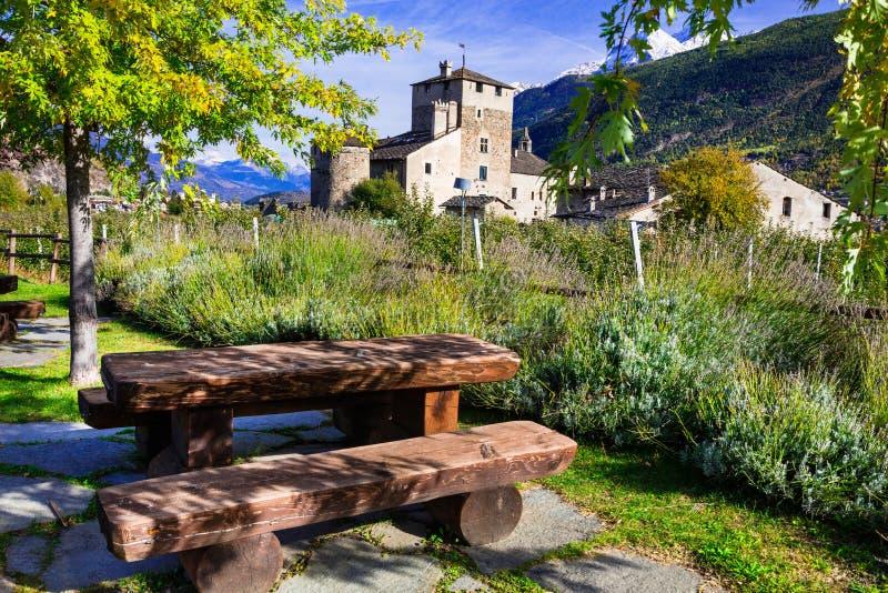 防御意大利语 瓦尔d ` aosta, castello Sarriod de La Tour 库存图片