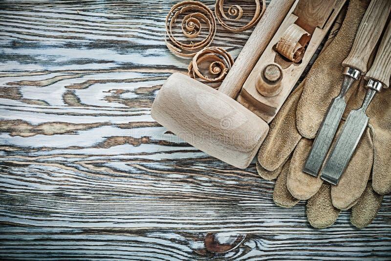 防护手套木锤子平的凿子的分类飞行 免版税库存照片