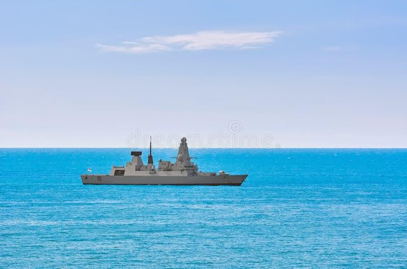 防空驱逐舰在海 库存照片