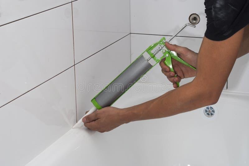 防水的浴硅树脂密封胶 免版税库存图片
