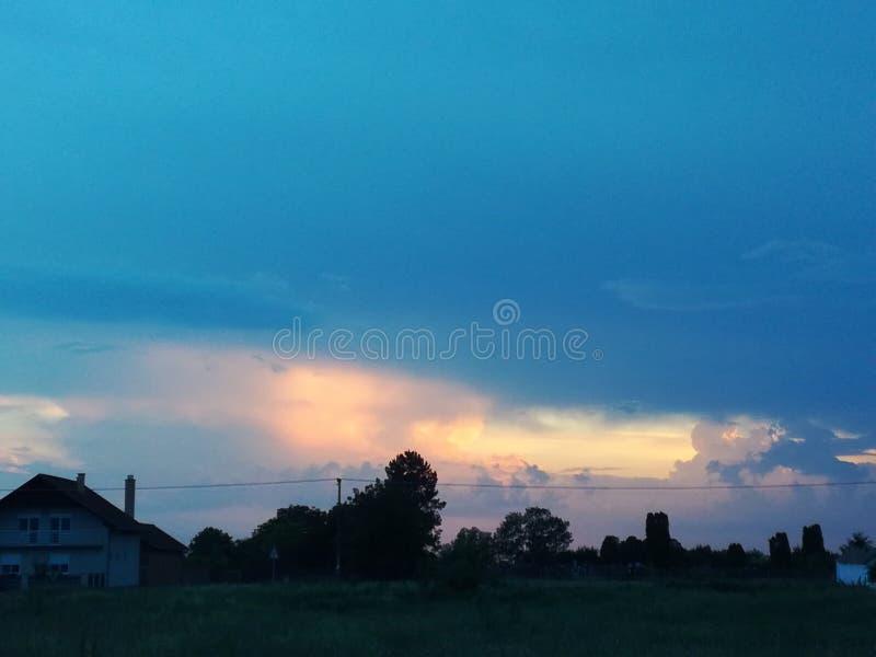 阳光,火热的天空 免版税图库摄影
