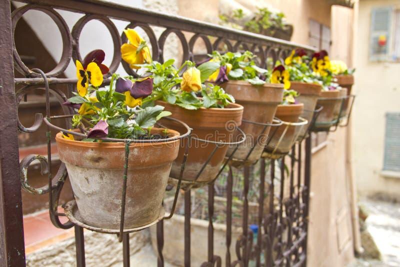 阳台花瓶 免版税库存照片