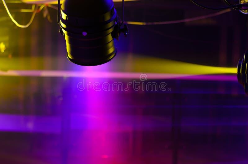 阶段菲涅耳光和反射器聚光灯 库存图片