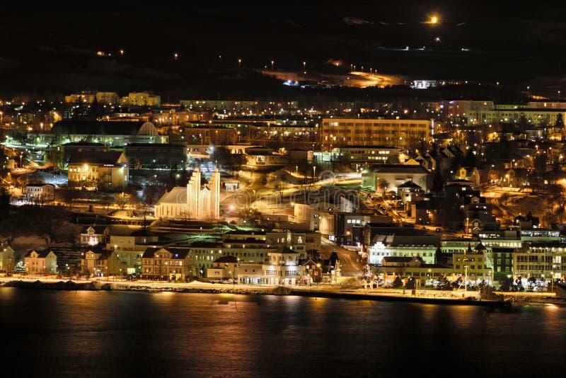 阿克雷里在晚上,冰岛 免版税库存图片