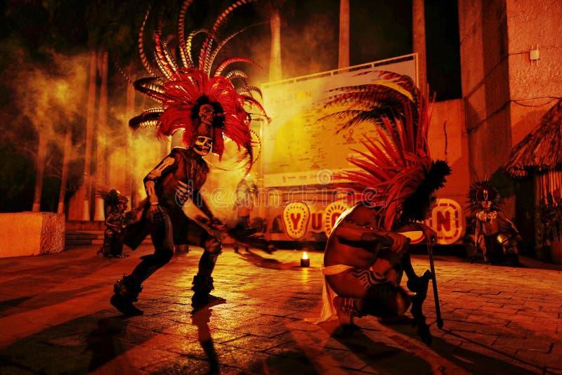 阿兹台克舞蹈演员 库存图片