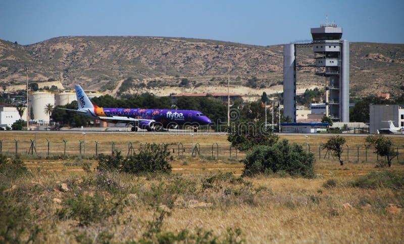 阿利坎特El Altet机场在一好日子春天 免版税图库摄影