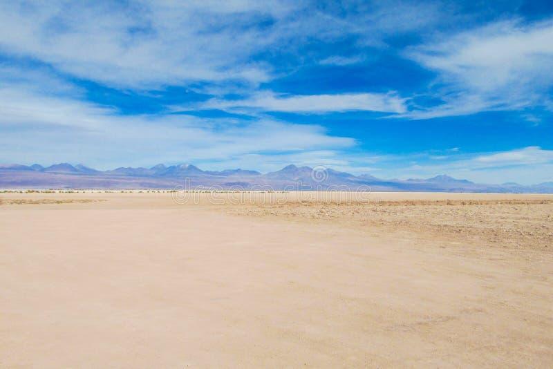 阿塔卡马沙漠平的土地 库存照片