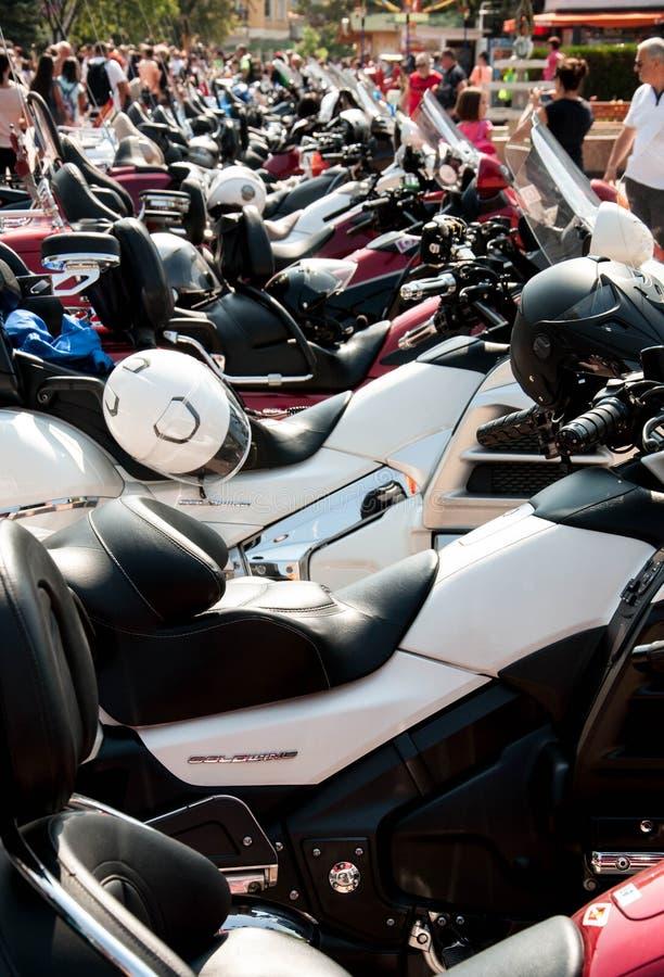 阿塞诺夫格勒、普罗夫迪夫/保加利亚 — 09/05/2019:一列列的运动摩托车展 免版税库存照片
