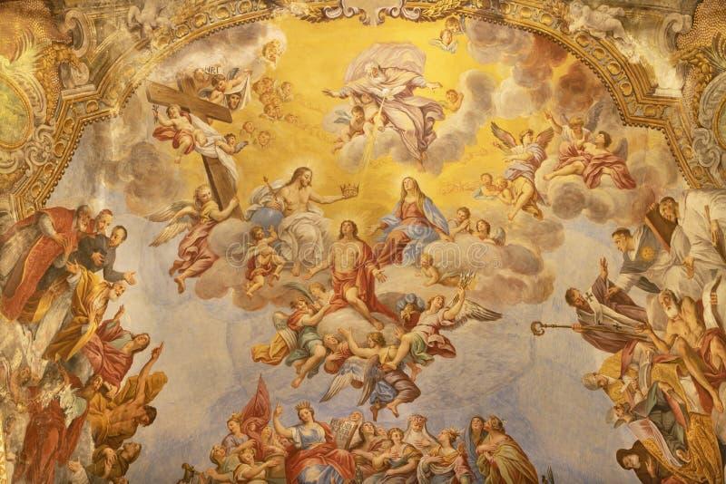 阿奇雷亚莱,意大利- 2018年4月11日:壁画圣巴斯弟盎Gorly教会大教堂Collegiata二圣巴斯弟盎教堂主要近星点的  库存照片