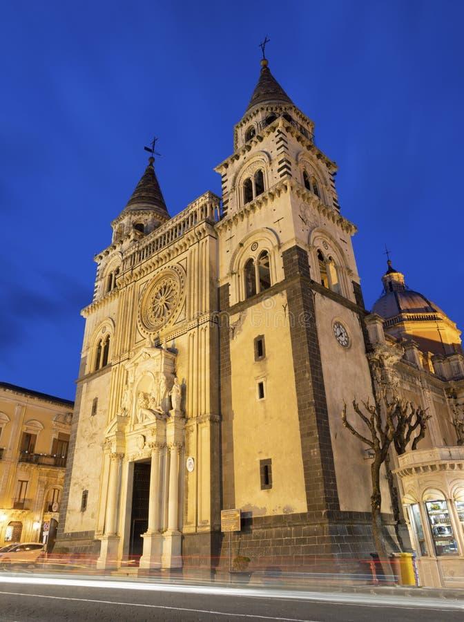 阿奇雷亚莱-中央寺院黄昏的玛丽亚佛罗伦萨圣母领报大殿 库存照片