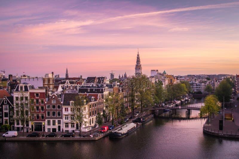 阿姆斯特丹在黎明 免版税库存照片