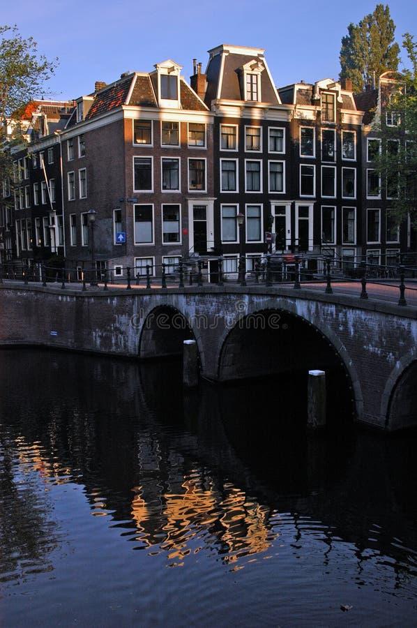 阿姆斯特丹屋顶日出 免版税库存照片