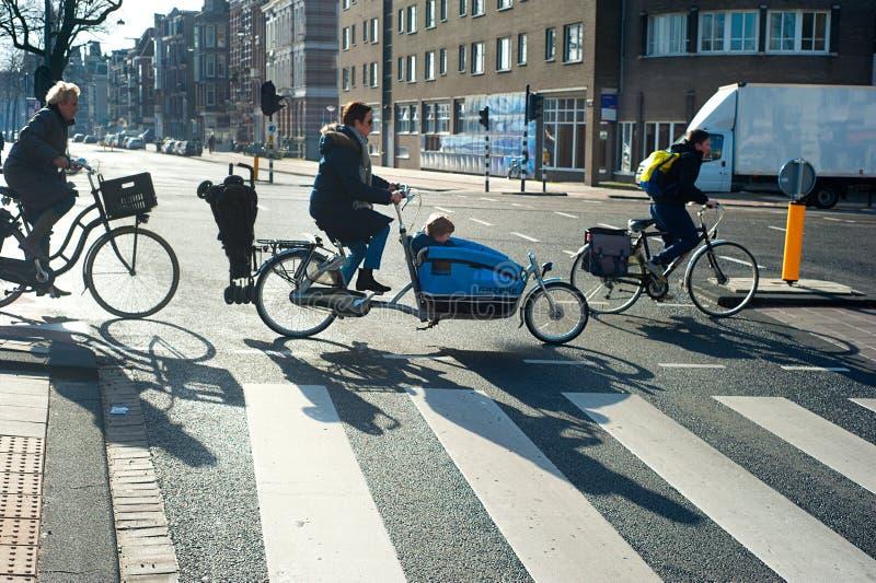 阿姆斯特丹自行车骑士 免版税库存图片