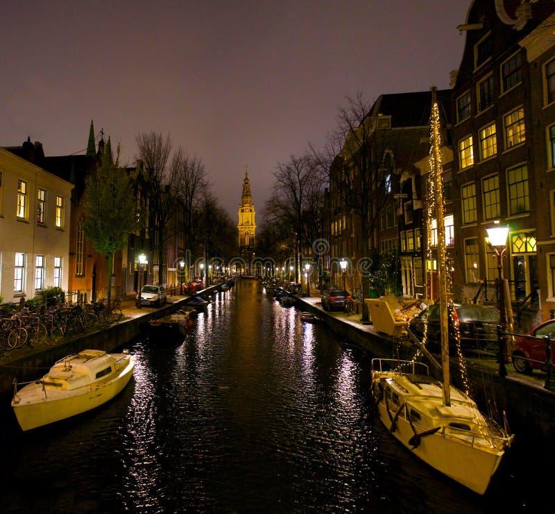 阿姆斯特丹荷兰海峡在晚上荷兰 免版税库存照片