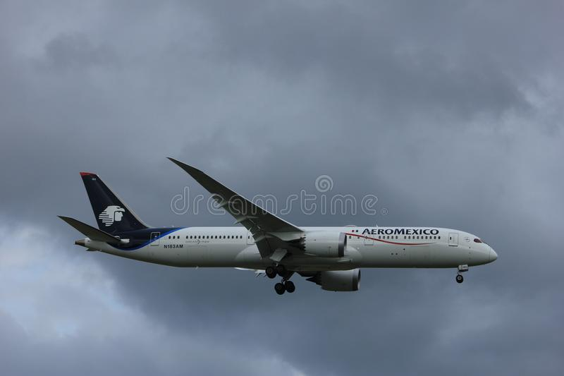 阿姆斯特丹荷兰- 2017年7月20日:N183AM Aeromexico波音787-9 Dreamliner 库存图片