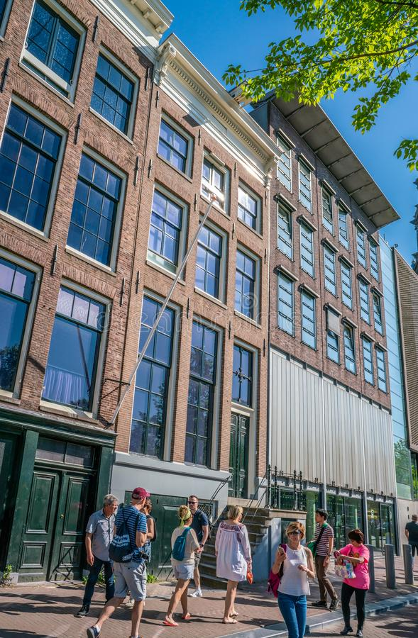 阿姆斯特丹, 2018年5月7日-通过安的著名房子Touriust 库存照片