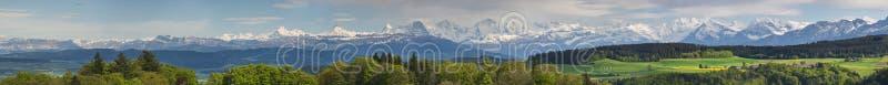 阿尔卑斯全景瑞士视图 免版税库存图片