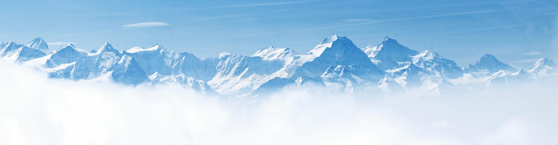 阿尔卑斯横向山全景雪 免版税库存照片