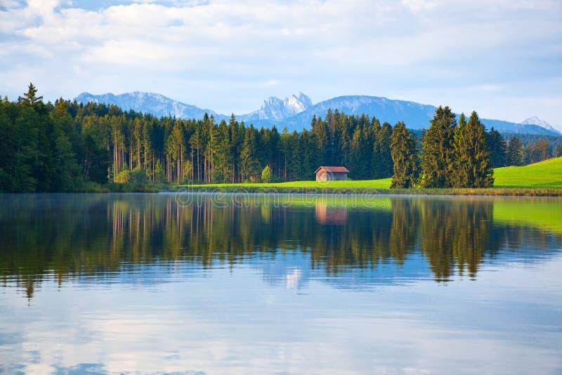 阿尔卑斯湖 免版税图库摄影