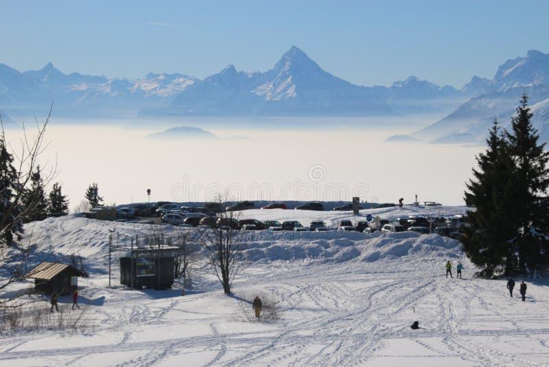 阿尔卑斯的宏伟的视图在冬天,看从山Gaisberg的顶端,萨尔茨堡,奥地利 库存照片