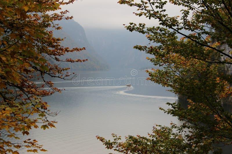 阿尔卑斯的脚的湖 库存图片