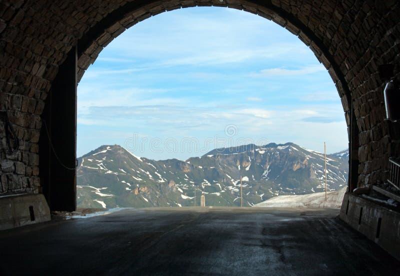 阿尔卑斯hochtor夏天隧道视图 库存图片