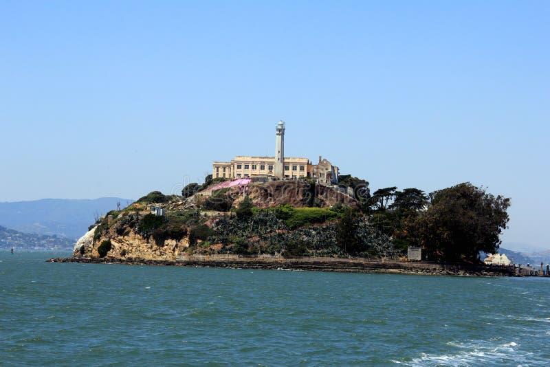 阿尔卡特拉斯岛,旧金山,美国全景有著名监狱大厦的 免版税库存照片