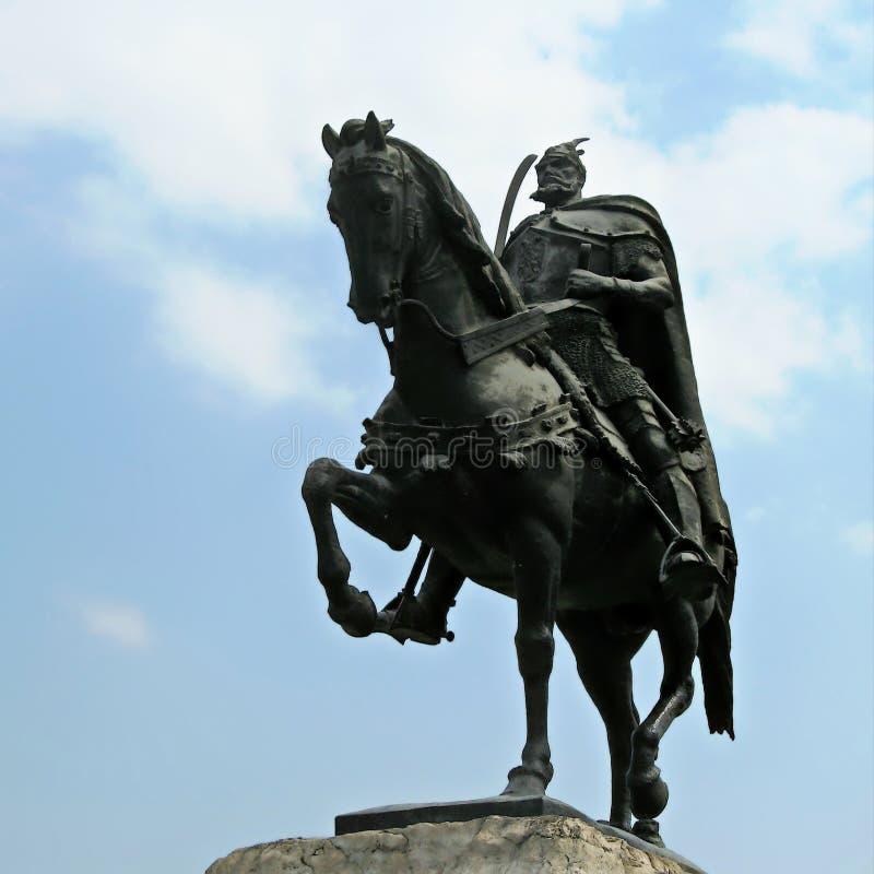 阿尔巴尼亚地拉那斯坎德培广场斯坎德培纪念碑 免版税库存图片