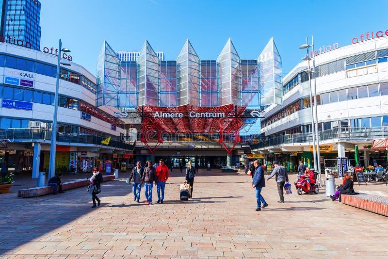 阿尔梅勒,荷兰的火车站 库存图片